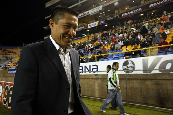 Bajas en el futbol mexicano: Ambriz y Eugui