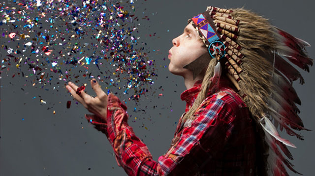 "Checa el video ""Gathering Stories"", de Jónsi"