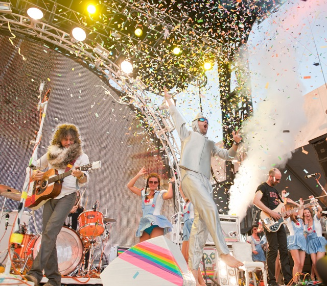 Escucha la colaboración de Yoko Ono con The Flaming Lips