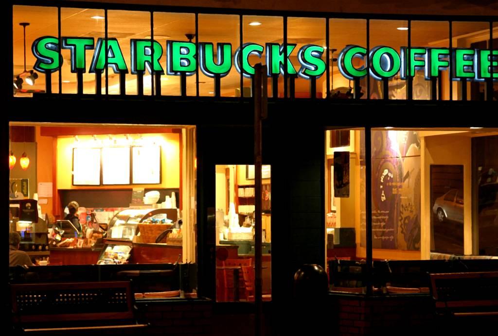 Starbucks comenzará a vender bebidas alcohólicas en Atlanta, Carolina del Sur