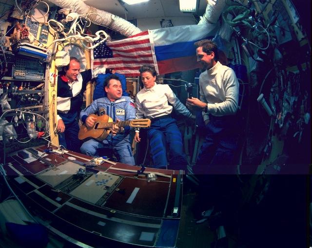 Hoy en 1986: La estación Mir