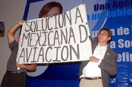 Trabajadores de Mexicana impiden acto de Vázquez Mota