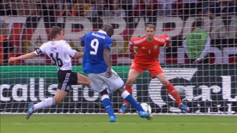 Euro 2012:  Revive los goles y las guapas del Alemania 1-2 Italia