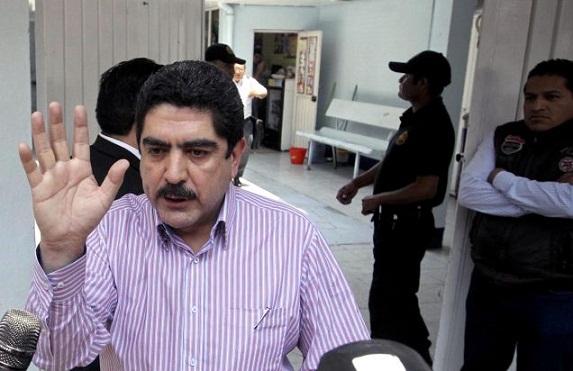 Encuentran sin vida a chofer y escolta de Manuel Espino, en Naucalpan