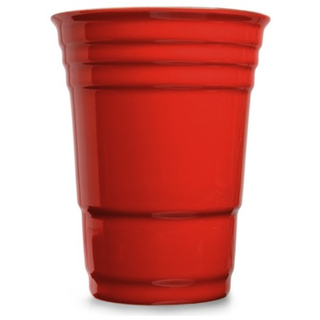 Lo que en realidad significan las rayas en los vasos rojos