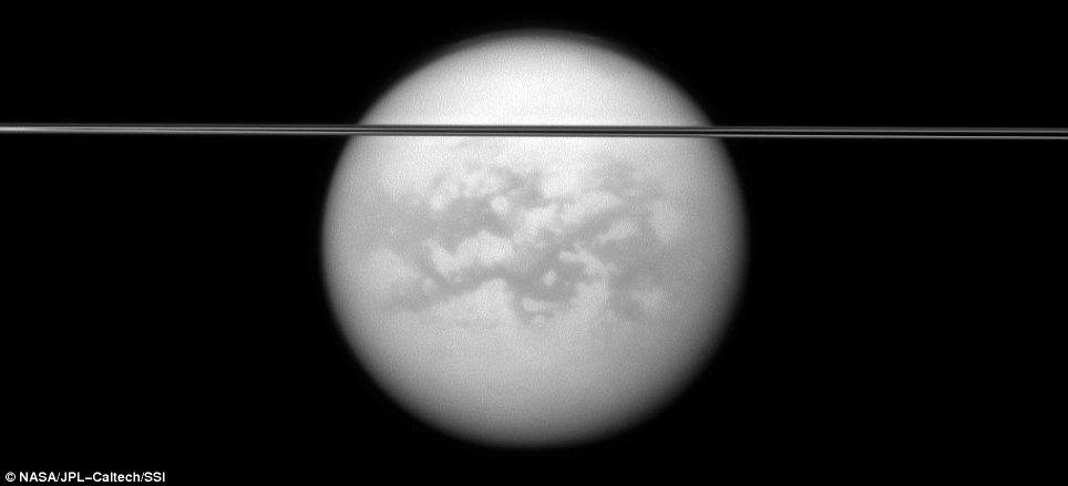 Las imágenes más claras de los aros de Saturno, cortesía de la NASA