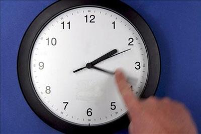 ¿Ya atrasaste tu reloj?: Hoy inicia el horario de invierno
