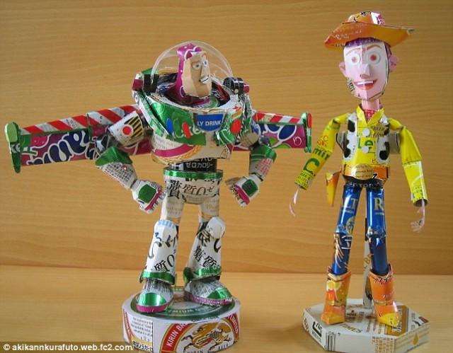 Figuras hechas de latas