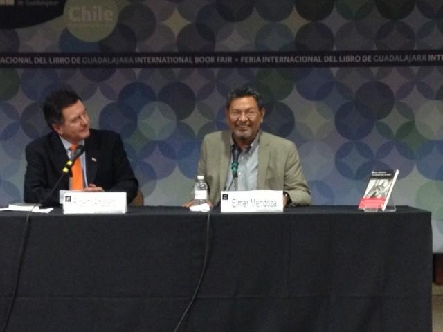 Elmer Mendoza en la FIL: El peligro de manejar la ficción en nuestros días