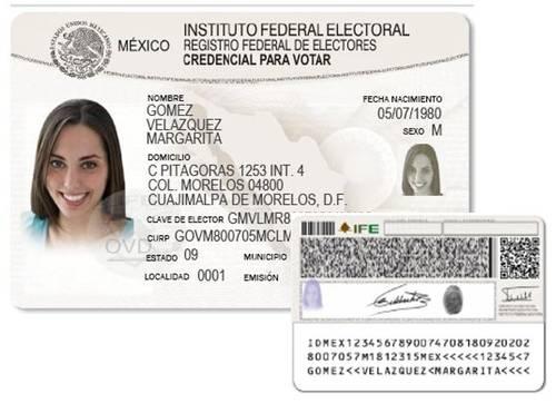 El IFE presenta el modelo de la nueva credencial de elector
