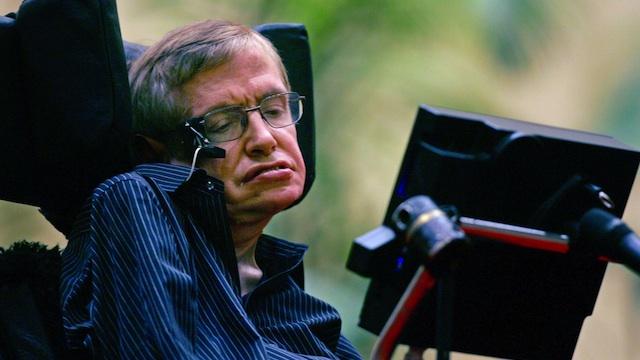 Stephen Hawking tiene la fórmula matemática para que Inglaterra gane el Mundial