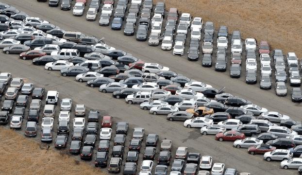 Y en la imagen del día... los coches inservibles que dejó Sandy