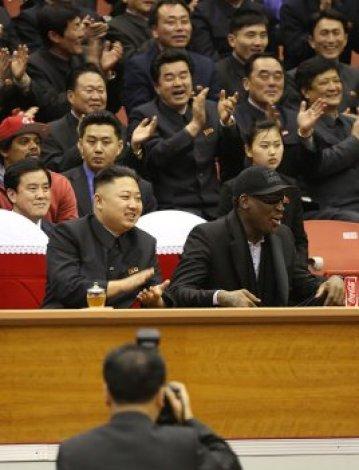 Dennis Rodman y el líder norcoreano Kim Jong-un, ¿así o más extraño?