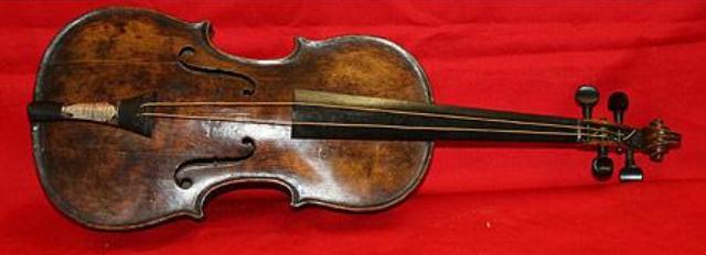 Existió el violinista del Titanic