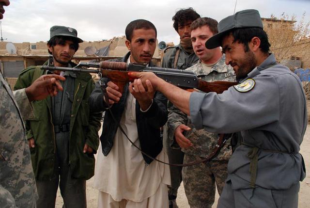 El triste destino de los afganos que ayudaron a los estadounidenses en la guerra