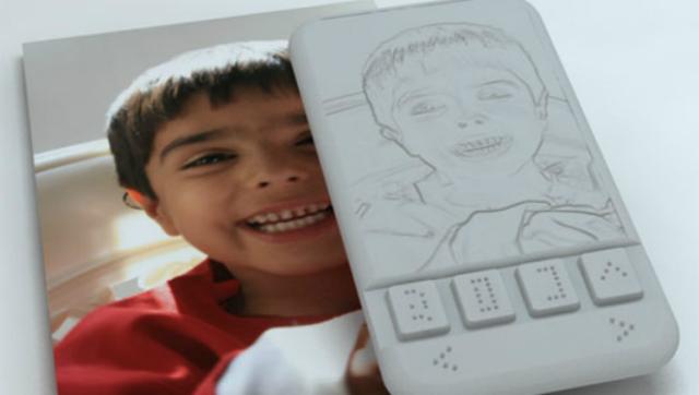 Desarrollan el primer smartphone para invidentes