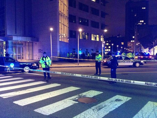 Hombre armado vuelve a encender las alarmas en Boston