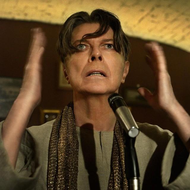 Mira el nuevo video NSFW de David Bowie: