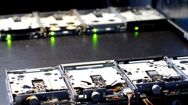 Nerdgasmo: El arte de hacer música con disqueteras