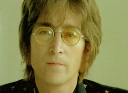 Ponen en venta micrófono con el que John Lennon grabó
