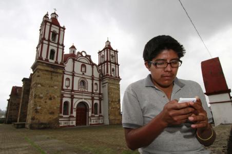 En Oaxaca, comunidad zapoteca cuenta con su propio servicio de telefonía celular