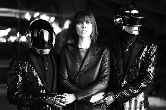 Da Funk Element: Milla Jovovich y Daft Punk posan para Saint Laurent