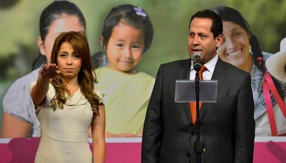 Eruviel nombra a su hija como presidenta del DIF Edomex