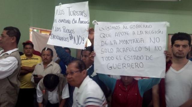 """Damnificados del Huracán """"Manuel"""" piden al Gobierno que no sólo vayan a tomarse fotografías"""