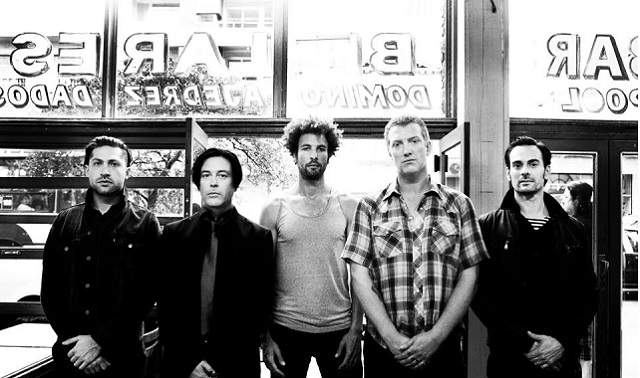 Abecedario Corona Capital: Con Q de Queens of the Stone Age
