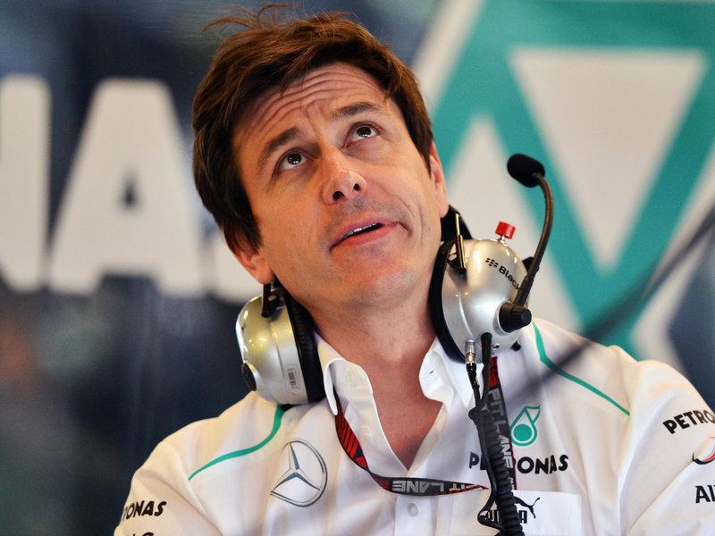 Toto Wolff cree que Renault es el as bajo la manga de Red Bull y Lotus