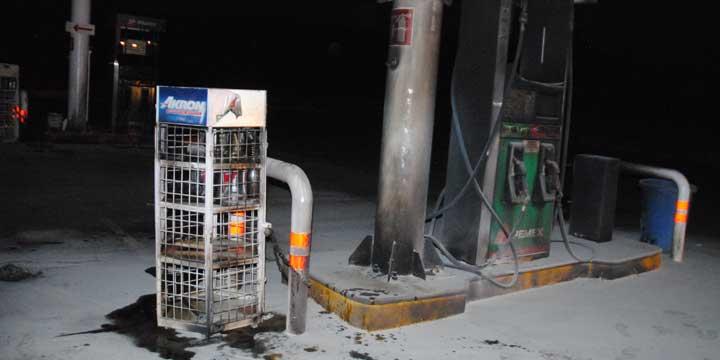 En Michoacán, grupos armados atacan instalaciones de CFE y gasolineras