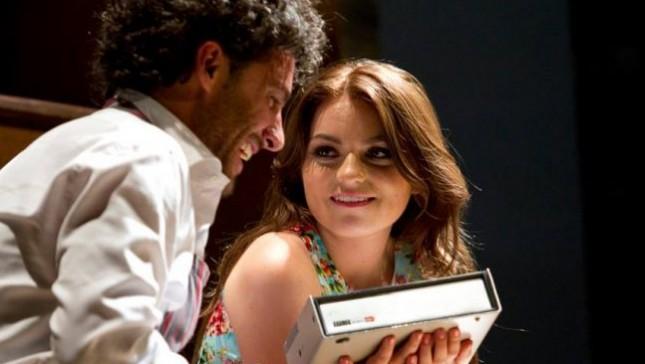 Estado Mayor Presidencial protege obra teatral de hijastra de EPN... y aparte le llevan acarreados