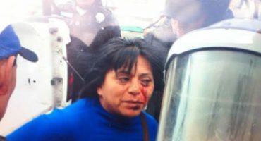Vendedores ambulantes se enfrentan a golpes con policías