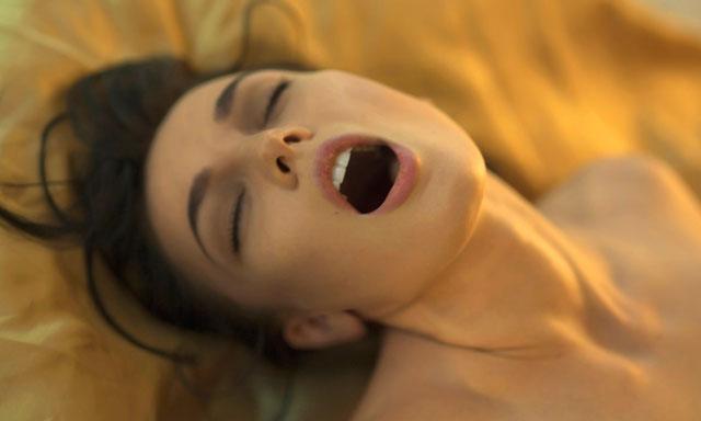 Girls having orgasmos, tiny porn gifs