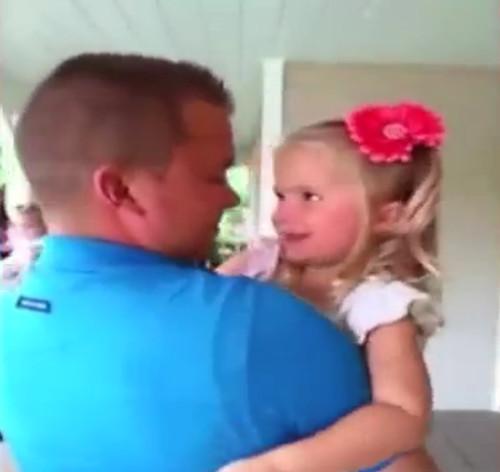 Video: Papá en caja