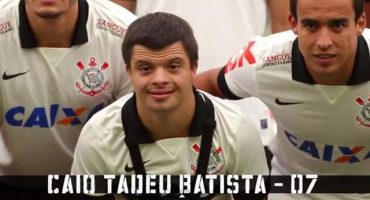 Video: Niño con síndrome de down se convierte en jugador del Corinthians