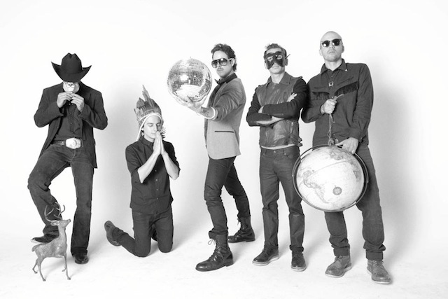 Kinky anuncia MTV Unplugged: Ulises Lozano nos cuenta