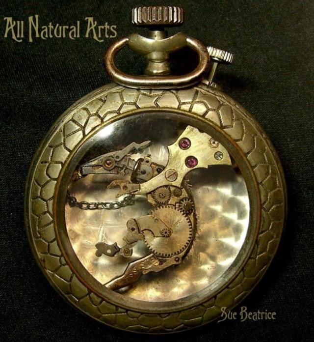 Las increíbles esculturas hechas con partes de reloj