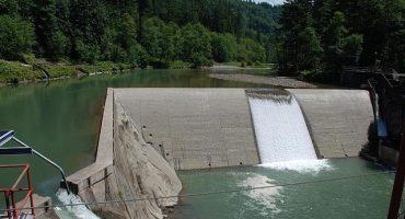 Orina en un depósito y arruina 143 millones de litros de agua