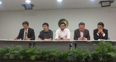 Llegan defensores de la libertad de expresión en internet al Senado #EPNvsInternet