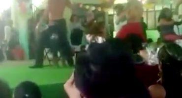 En primaria del Edo. de México, celebraron 10 de mayo con strippers