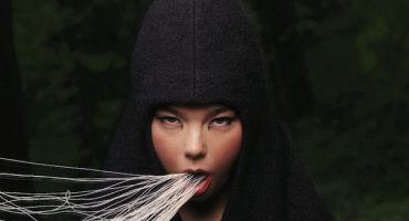 Joyas de Björk que merecen estar en su primera exposición retrospectiva
