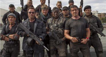 Sylvester Stallone, Arnold Schwarzenegger, Harrison Ford y otros en el póster animado de