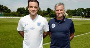 José Mourinho se lució en la cancha en un amistoso