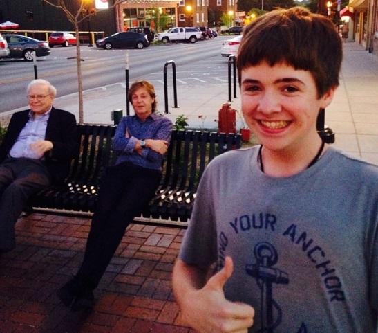 Pa'l feis... la selfie con Paul McCartney + Warren Buffett