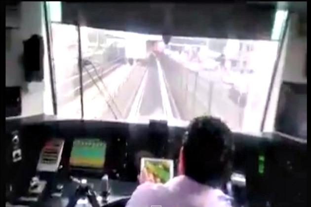Suspenden a conductor de metro por jugar con iPad mientras manejaba