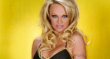 NSFW: Así festeja Pamela Anderson su divorcio