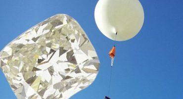 Cazadores de tesoros en búsqueda de diamante que