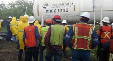 Tren de Grupo México descarrila en Sonora... con ácido sulfúrico