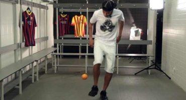 Video: Neymar demuestra sus habilidades... ¡hasta con un chicle!